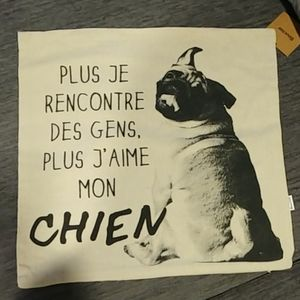 Cute Dog/Puppy Pillow Cover 18x18in - French